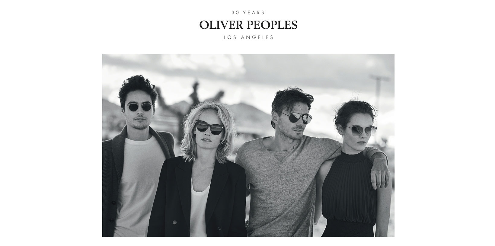 SHOW ROOM OLIVER PEOPLES